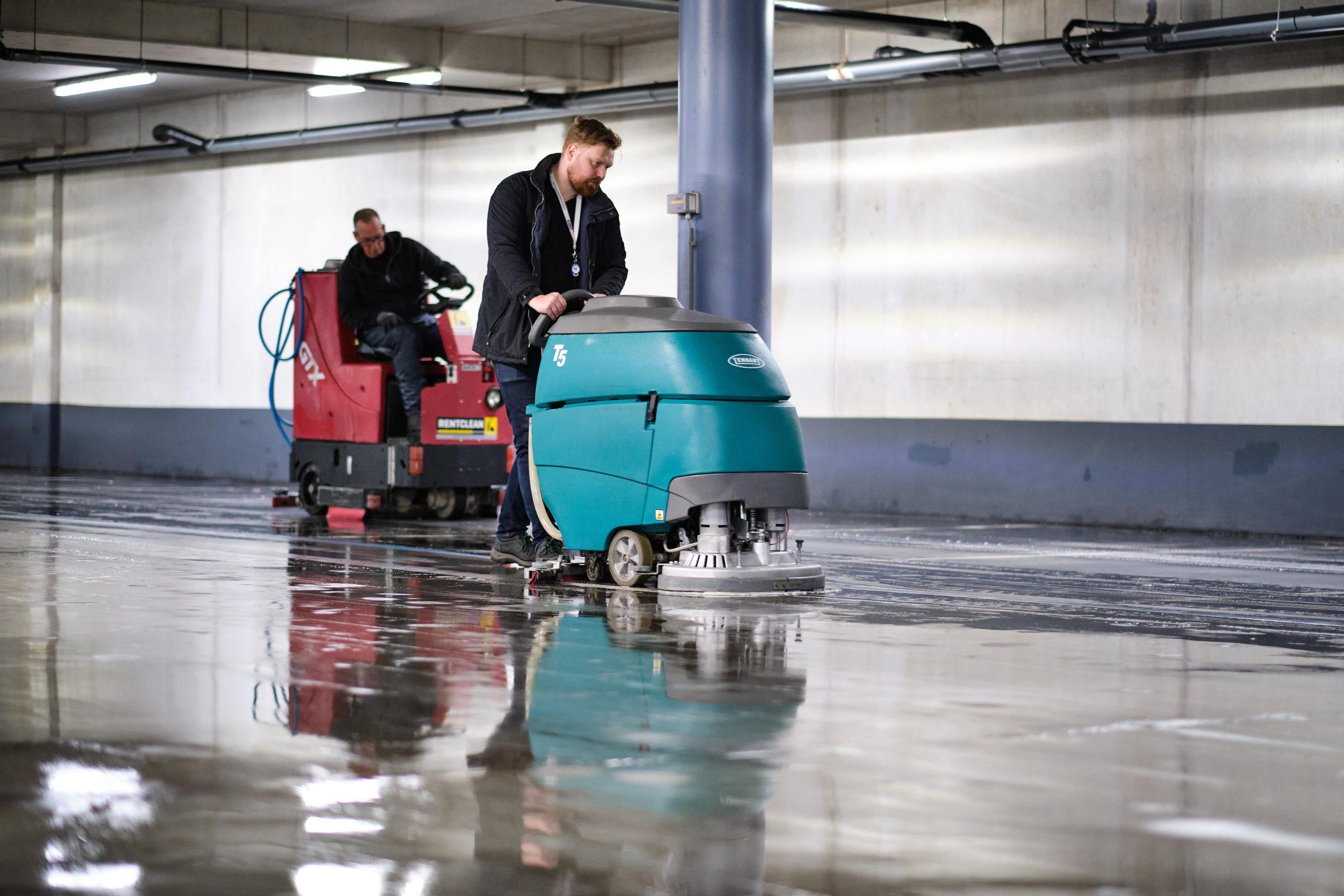 Parkeergarage reiniging